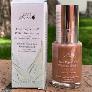 (FREE GIFT W/PURCHASE) New 100% pure foundation